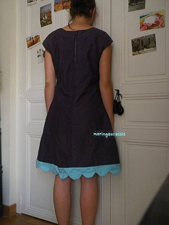 robe-aux-petales-dos.jpg