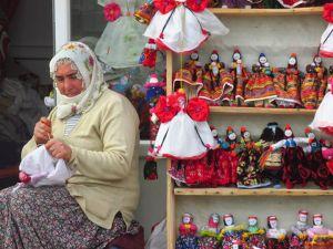 Une créatrice de poupées