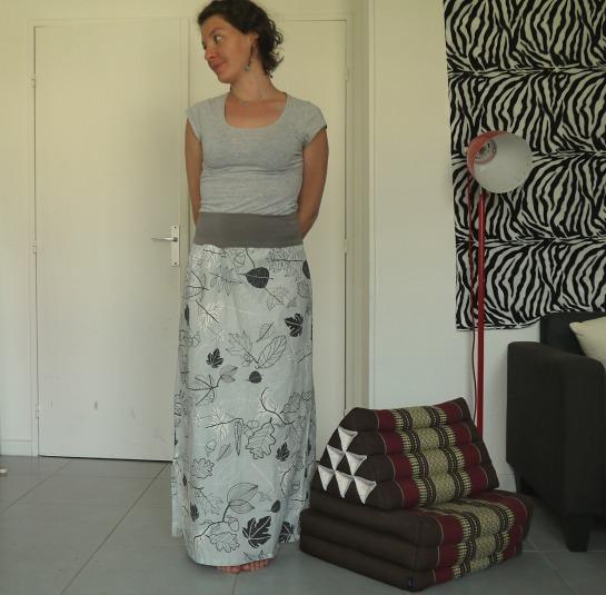jupe grise devant